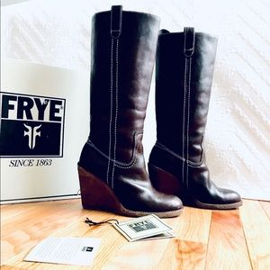 Frye Caroline Campus Wedge Boot Dark Brown 5.5